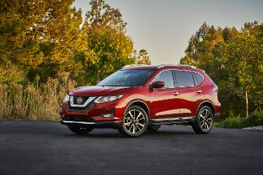 2020 Nissan Rogue-Front_Left